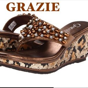 NWT GRAZIE Bronze dazzle wedge thong bling 6